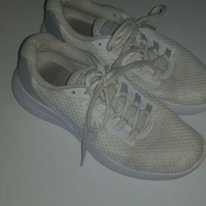 Nike Shoes - NIKE lunarlon runners 8.5 used white and grey